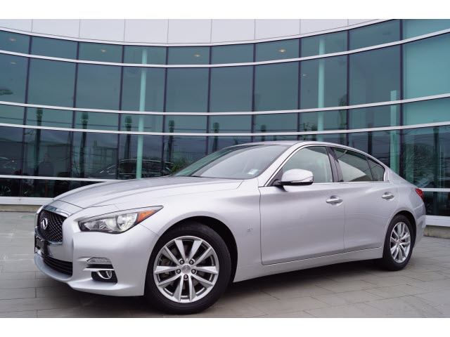 Certified Pre-Owned 2015 INFINITI Q50 Premium w/Navigation Package