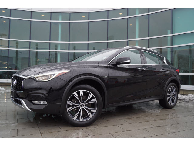 Pre-Owned 2018 INFINITI QX30 Premium w/Navigation Package